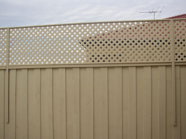 Design Flow - Australian manufacturer of Matrix fence extensions